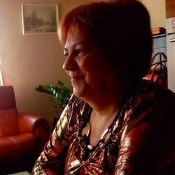 Emili, társkereső Cegléd