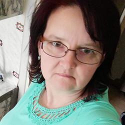 Adrienn, társkereső Komló