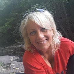 Eva, társkereső Haines Falls