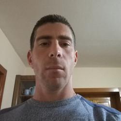 András, társkereső Joseni