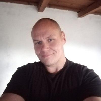 László, társkereső Berzék