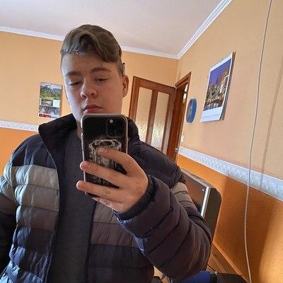 Gyula, társkereső Tököl